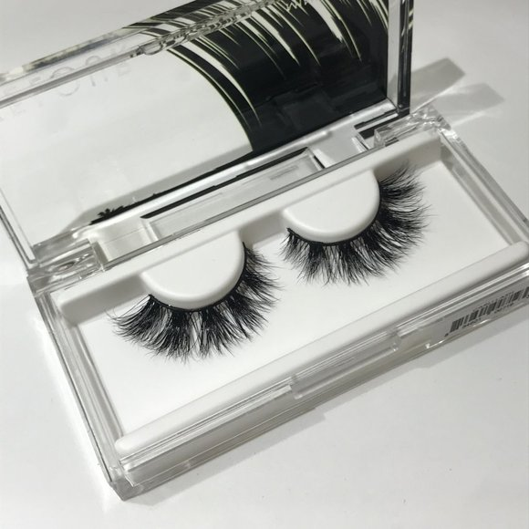 Velour Lashes - Carli Lash w Box